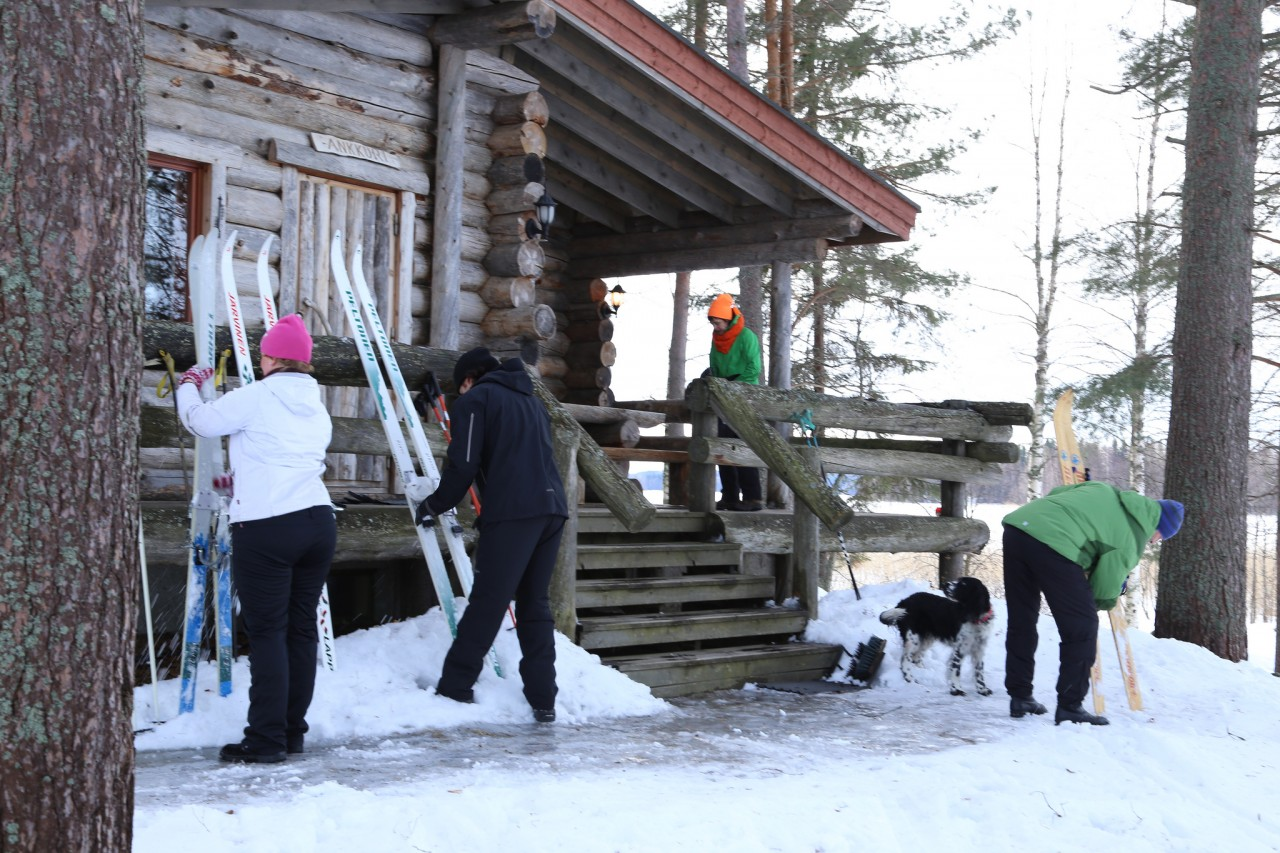 preparations-at-cottage